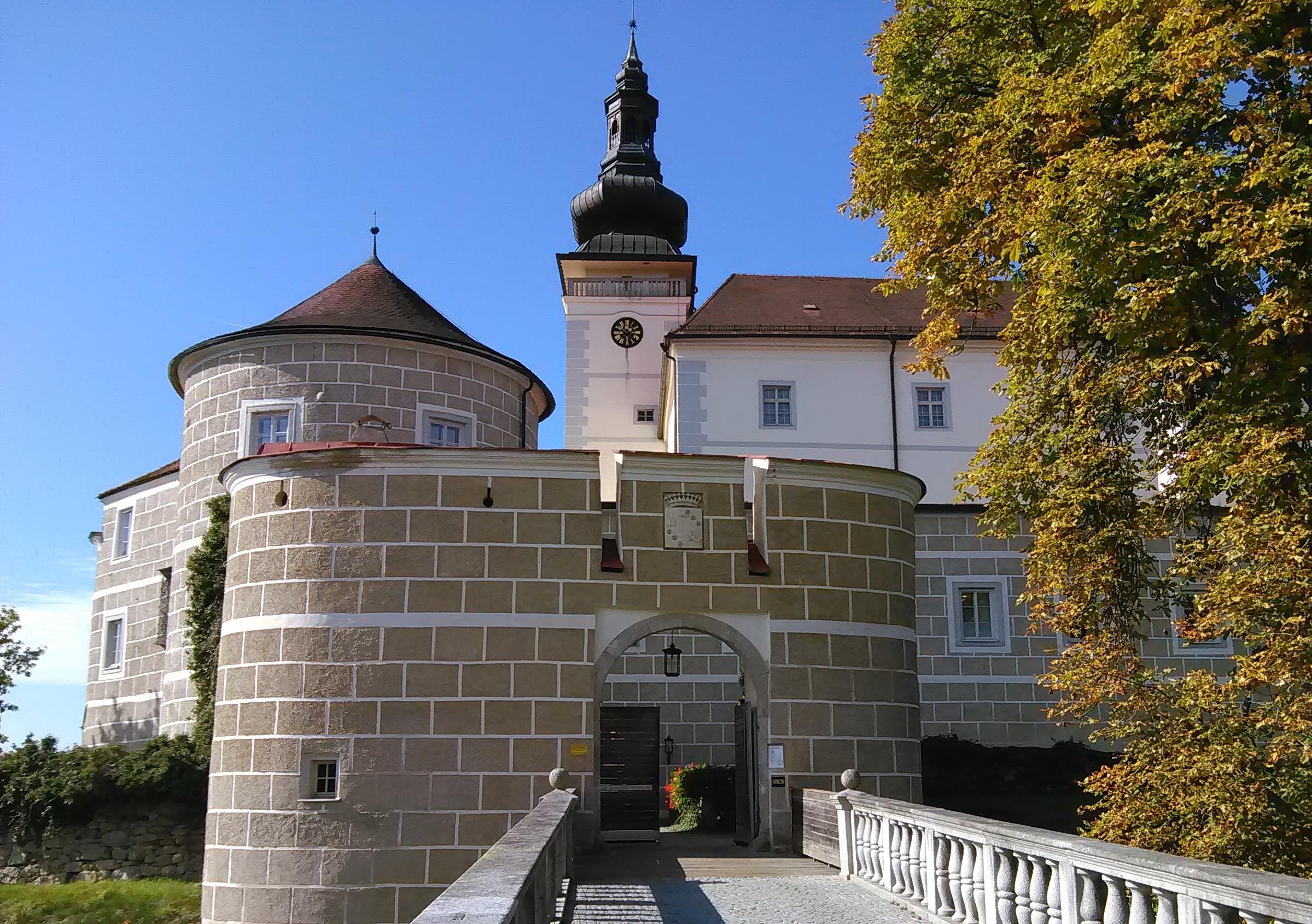 Schloss Weinberg Main Entrance